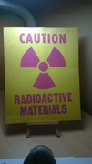 Promylshlennyy_znak_CAUTION_RADIOACTIVE_MATERIALS.jpg